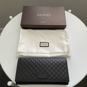 Gucci Women  Microguccissima Leather Flap Wallet
